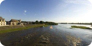 Visite virtuelle 360° Amboise vue du pont Général Leclerc par Showaround