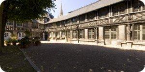 Visite virtuelle 360° haute définition aître Saint Maclou à Rouen par Showaround