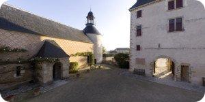 Visite virtuelle 360° haute définition cour du château de Chamerolles Loiret Val de Loire par Showaround