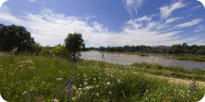 Visite virtuelle 360° flash haute définition face au château de ménars en Val de Loire par Showaround