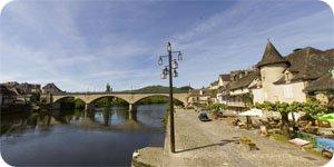 Visite virtuelle 360° flash haute définition du quai Lestourgie à Argentat en Corrèze par Showaround