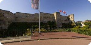 Visite virtuelle 360° flash haute définition du château et de l'église Saint Pierre de Caen par Showaround