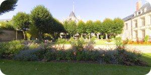 Visite virtuelle 360° flash haute définition du Jardin de l'évêché à Orléans par Showaround