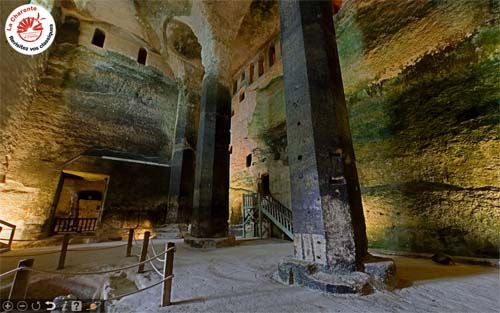 Visite virtuelle 360° HD de l'église monolithe d'Aubeterre sur Dronne en Charente par Showaround