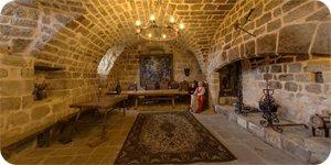Visite virtuelle 360° flash HD du château de Montréal en Ardèche France par Showaround