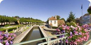 Visite virtuelle 360° flash HD du village de Briare Loiret France par Showaround